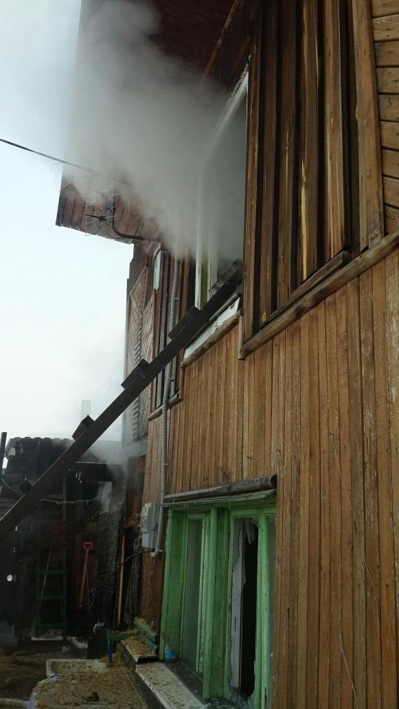 Пожар в п. Мама — МЧС России по Иркутской области